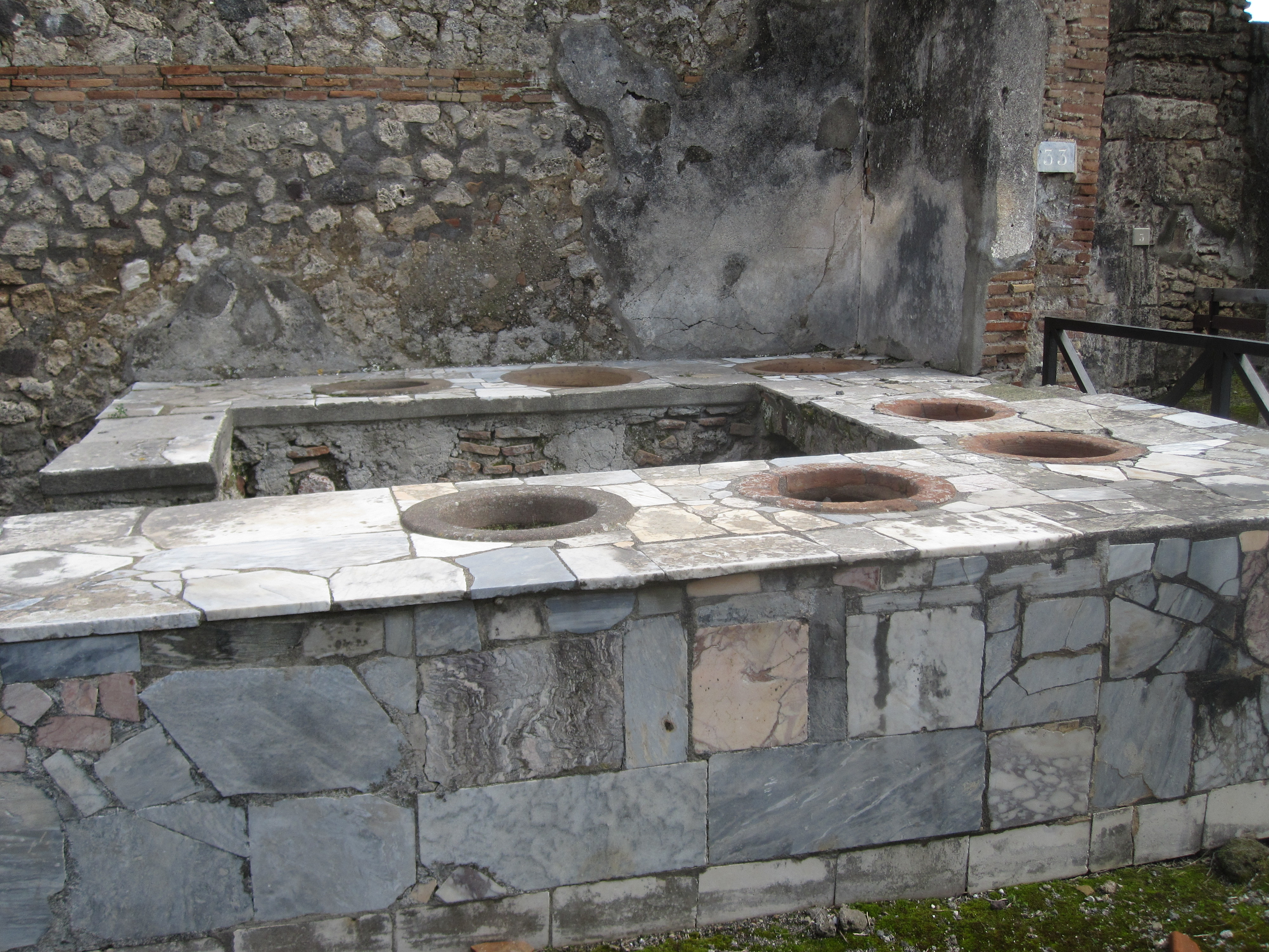 thermopylae counter, Pompeii Crystal King copyright 2010