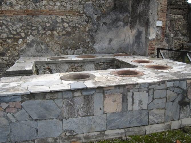 thermopylae counter, Pompeii Crystal King copyright 2010